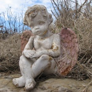White Rust Cherub w/ Pink Wings (Large)