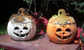 Pumpkins with Face & Lids