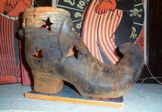 Witch Shoe Luminary